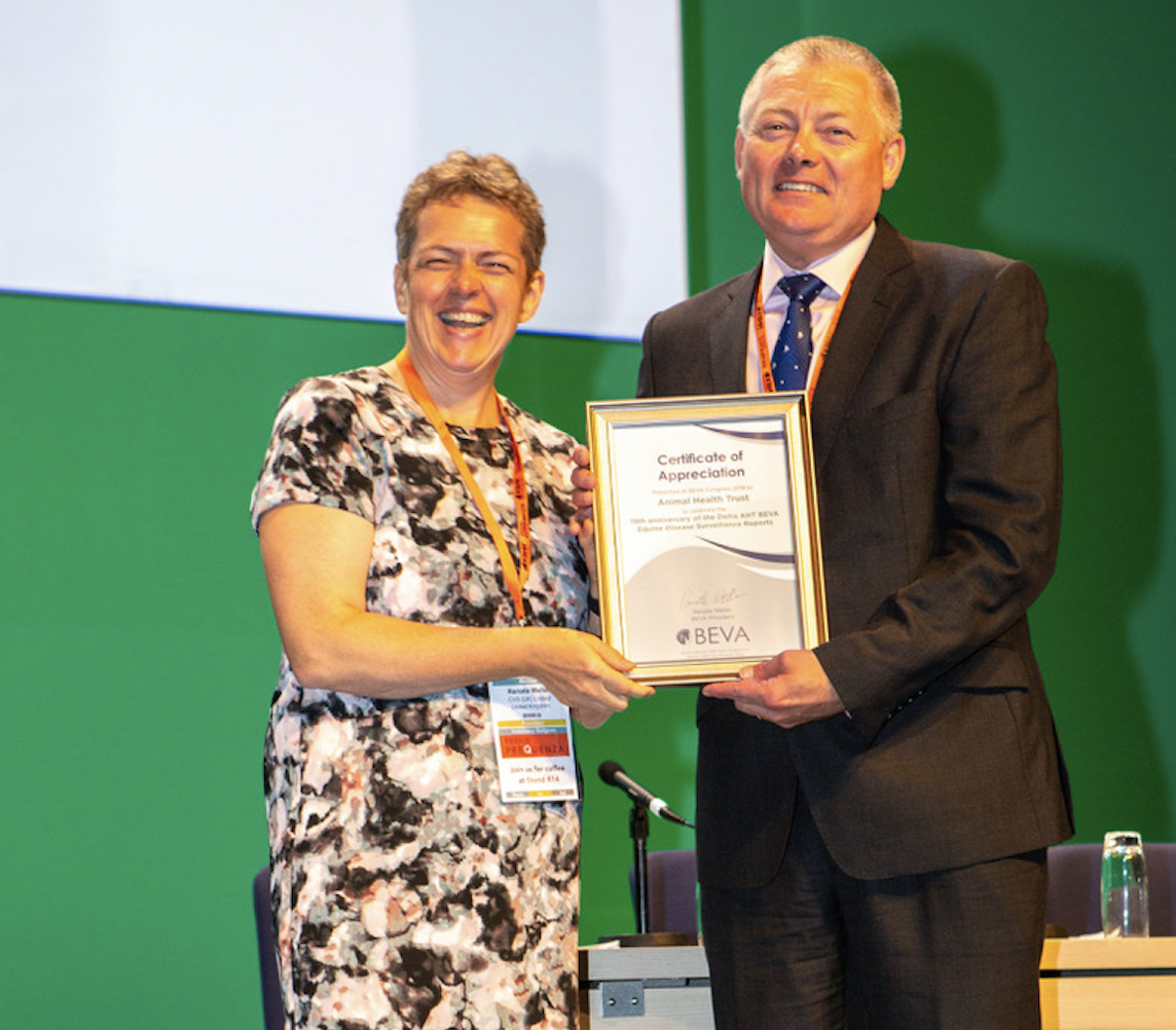 Renate Weller and Richard Newton, Director of Epidemiology and Disease Surveillance at the AHT